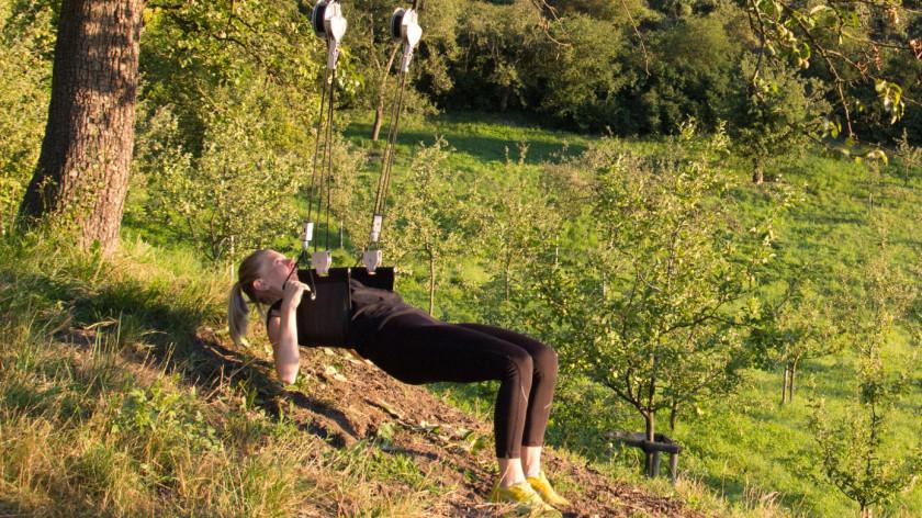 XUP<sup>®</sup> veslování - cvičení na záda