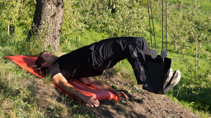 XUP Suspended hamstring curls - training for back thighs