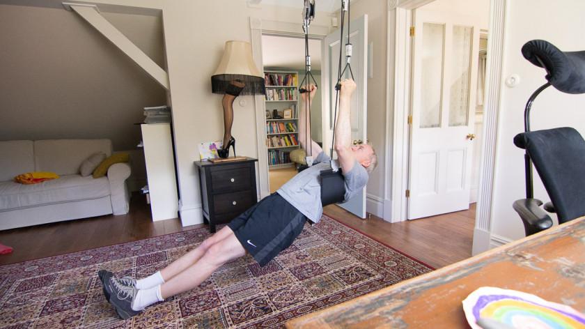 XUP Rowing single leg - back and hamstrings workout