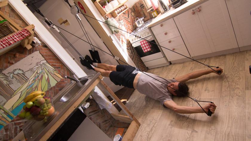 Jak efektivně posilovat hluboký stabilizační systém - cvičení doma na core