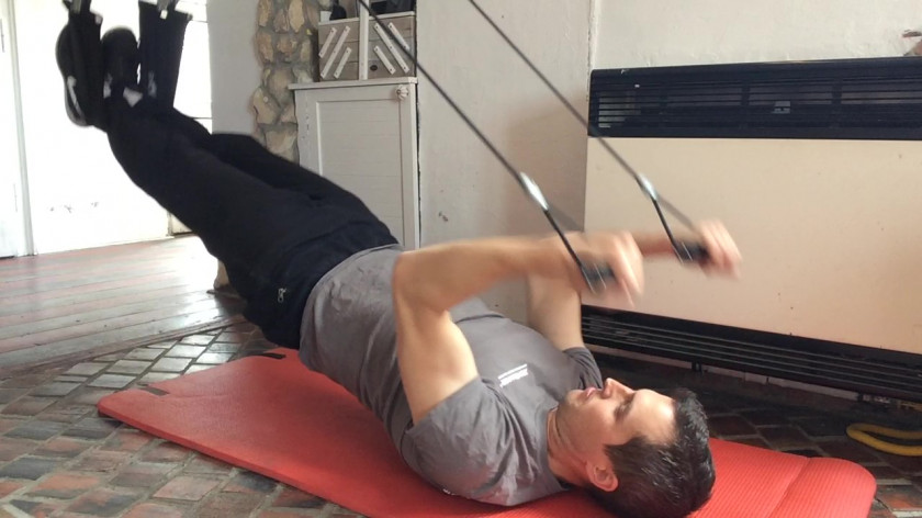 Cvičení doma pro posílení paží - biceps, triceps a ramena