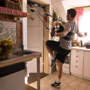 XUP workout in the kitchen at the cooker..